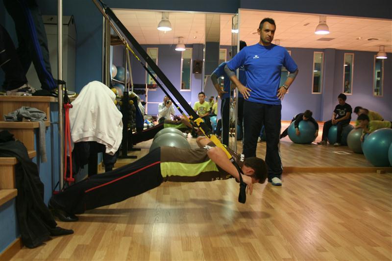 Preparación física de los alumnos de la mano de Jam Sport y junto a Héctor Faubel