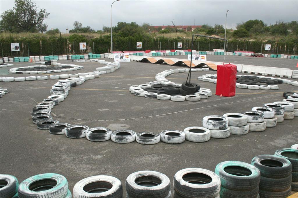KSB Sport Valencia inaugura su circuito de entrenamiento Scalextric