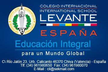 Demostración de pilotaje de motos en el colegio Internacional Levante