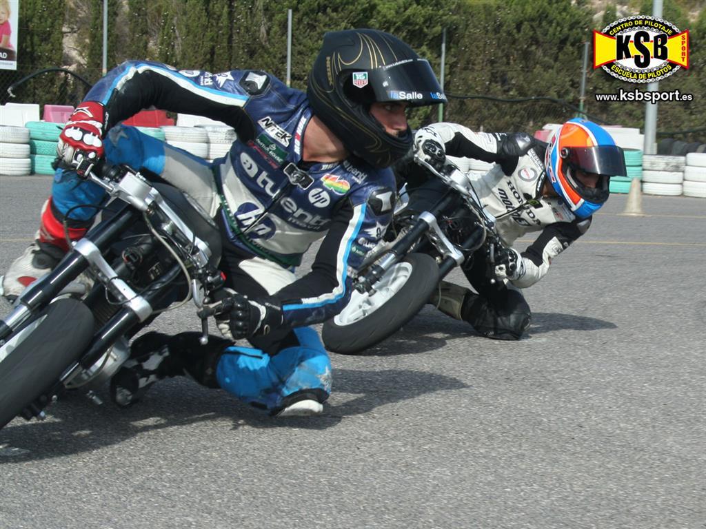 Los pilotos Axel Pons e Isaac Viñales entrenan cuatro día intensivos bajo las ordenes de Kike Bañuls en KSB Sport